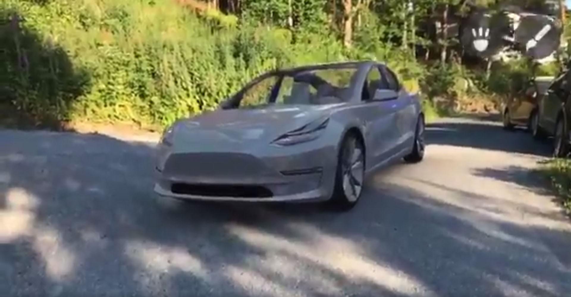 Tesla Model 3 AR