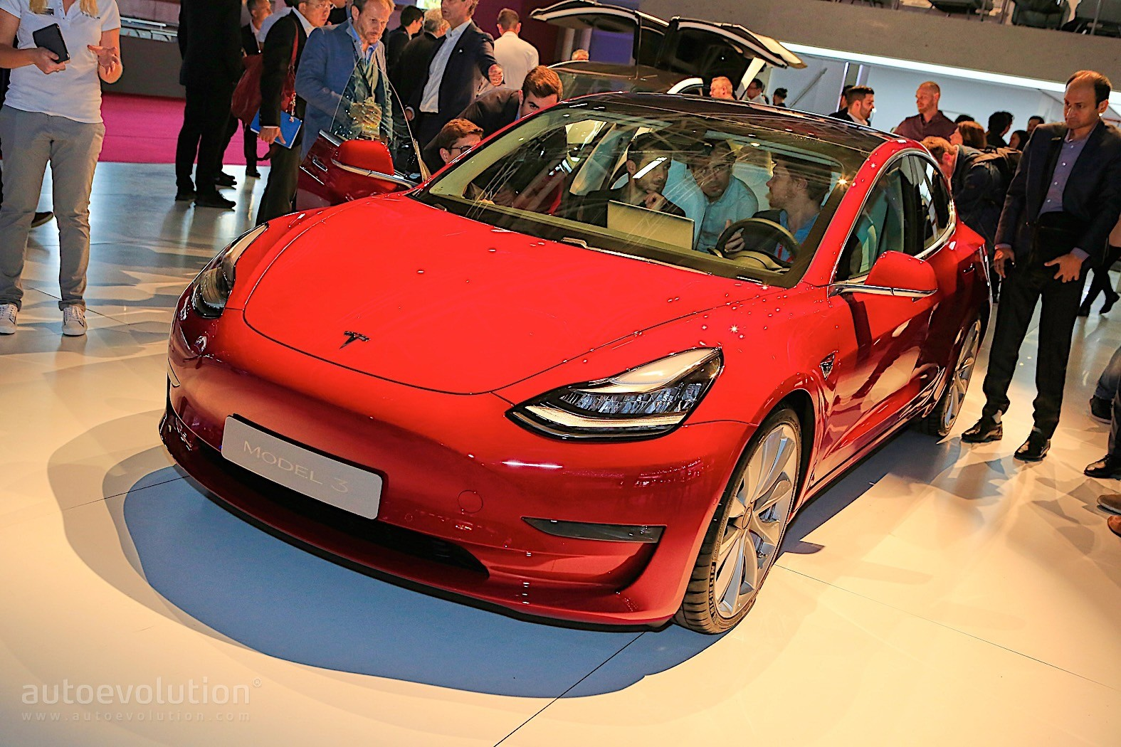 Tesla Model 3 Is the Hot Red Car of the Moment in Paris ...