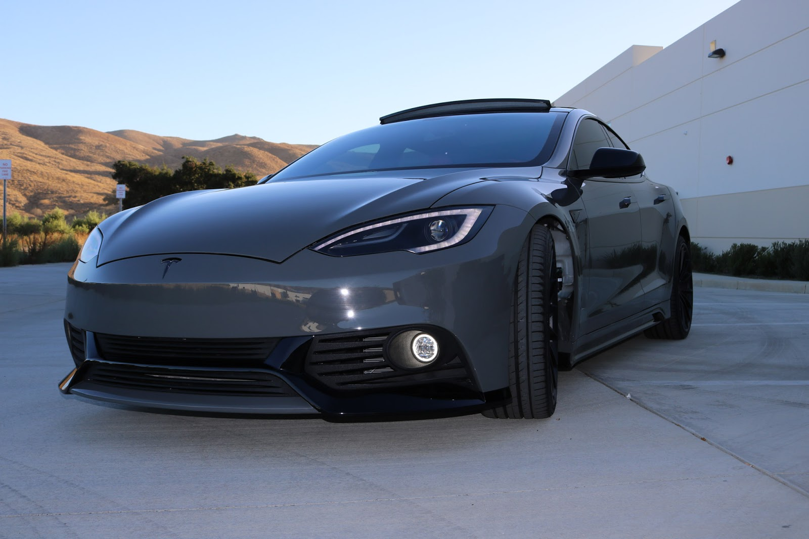 Tesla Model S Has $40,000 Paint and $6,500 Body Kit by Zero to 60