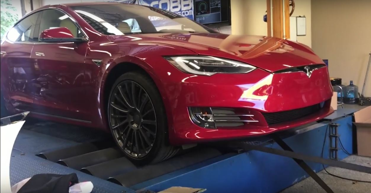 tesla model s p100d ludicrous gets strapped to the dyno torque overload ensues autoevolution. Black Bedroom Furniture Sets. Home Design Ideas