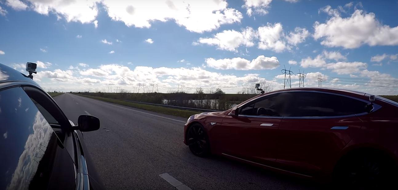 Tesla Model S P100d Vs Ferrari Ff Drag Race