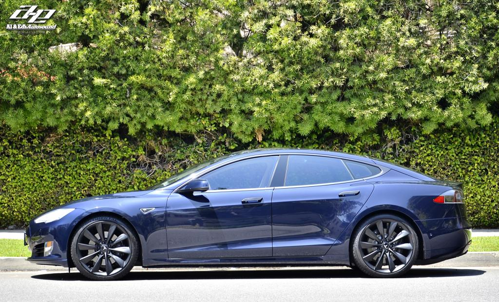 Tesla Model S Says No To Chrome Autoevolution