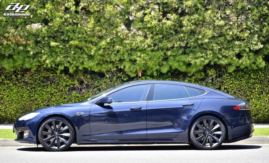 Tesla Model S Says No To Chrome Autoevolution