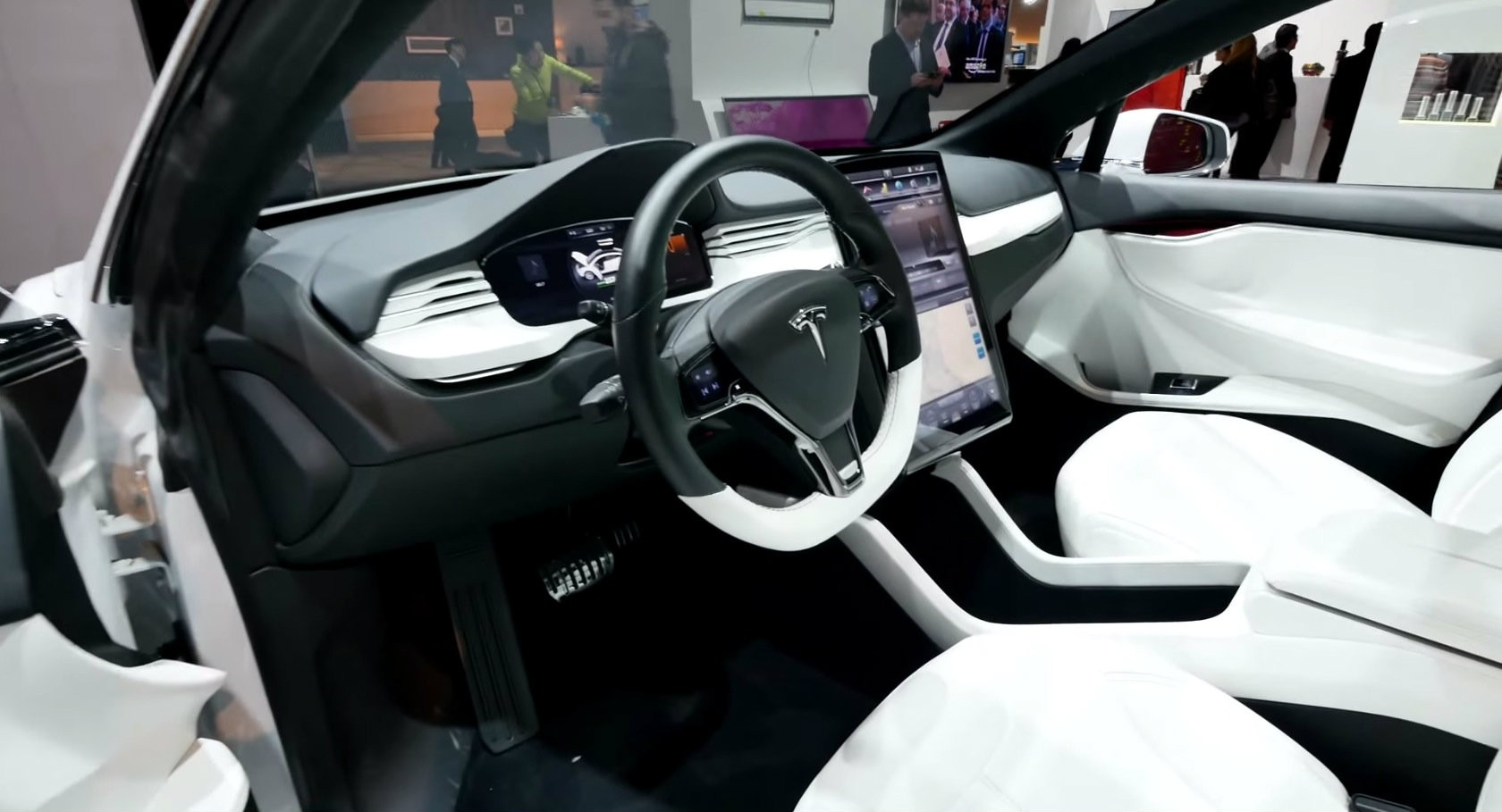 Tesla Model X Electric Crossover Displayed at the Panasonic Booth at CES [Video] - autoevolution