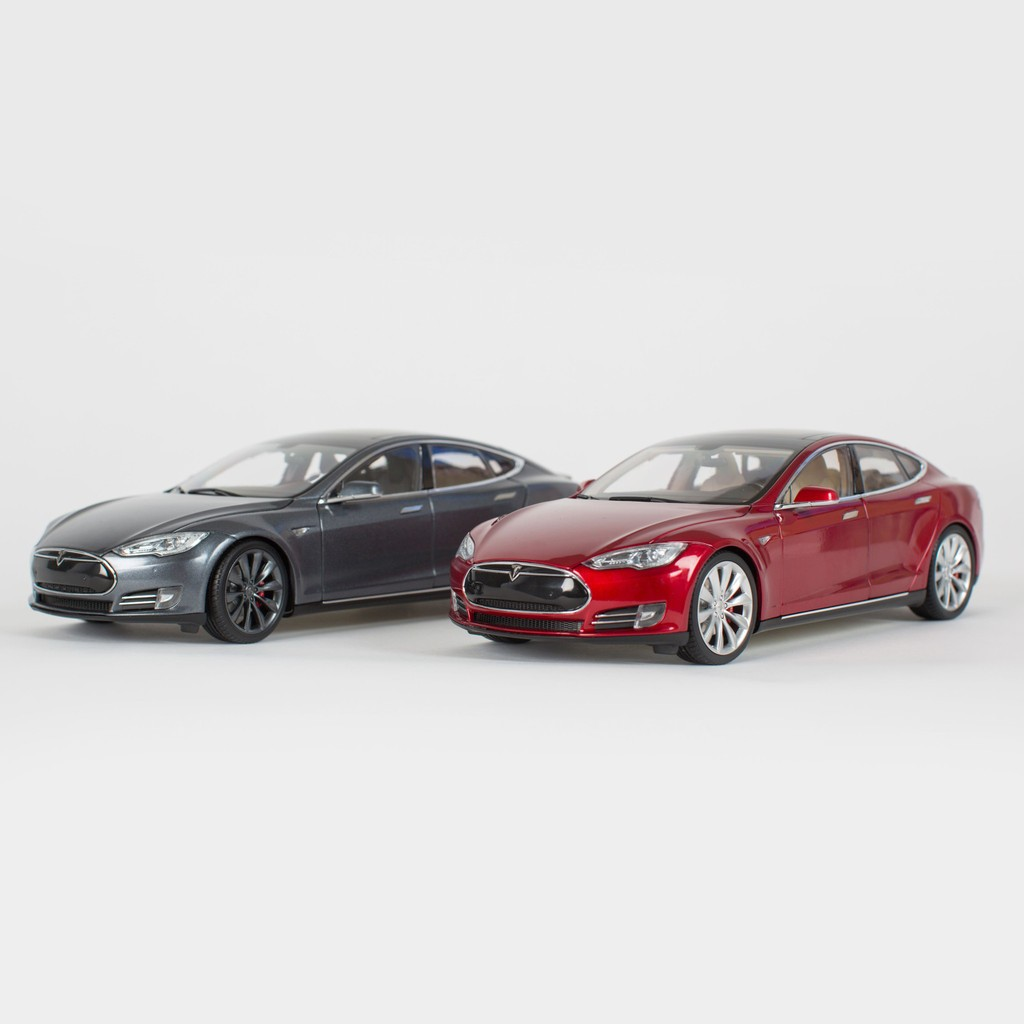 tesla motors is now selling 1 18 scale model s diecast