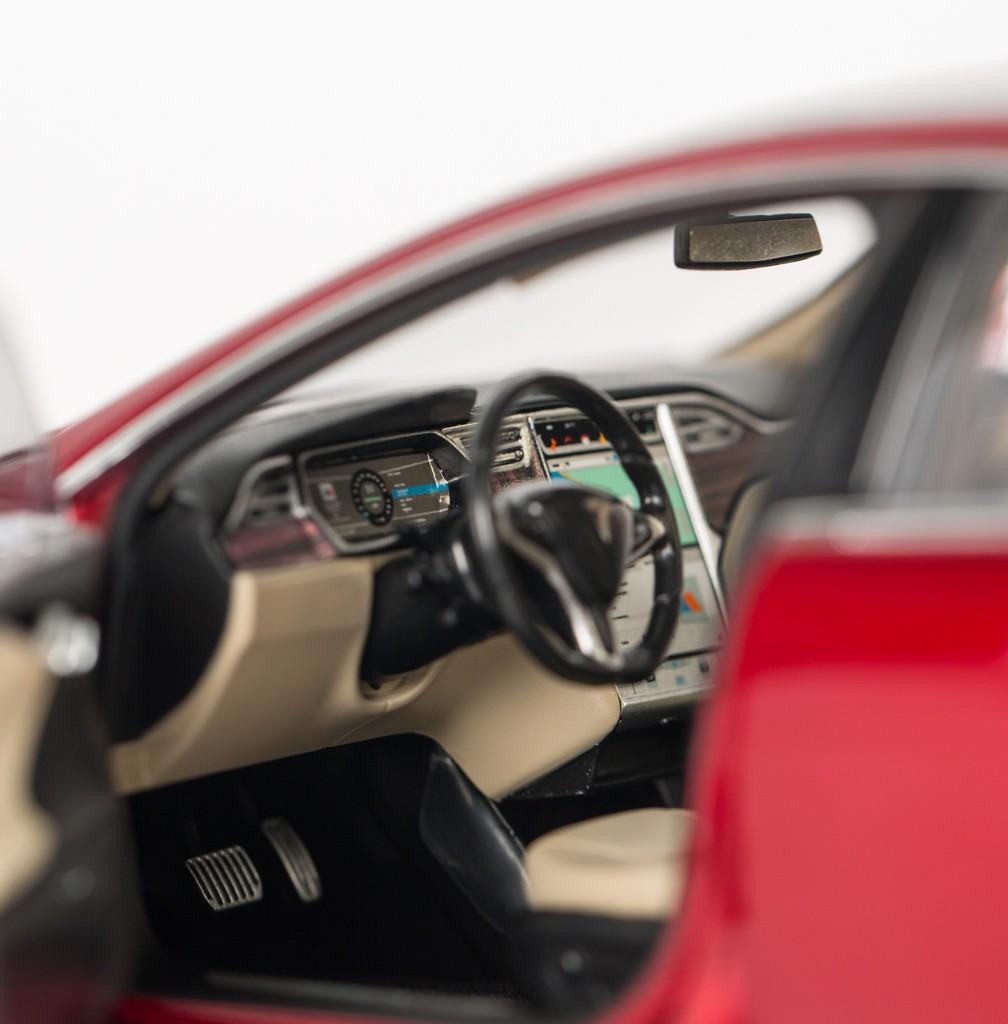 Tesla Model S 85D >> Tesla Motors is Now Selling 1:18 Scale Model S Diecast Cars - autoevolution