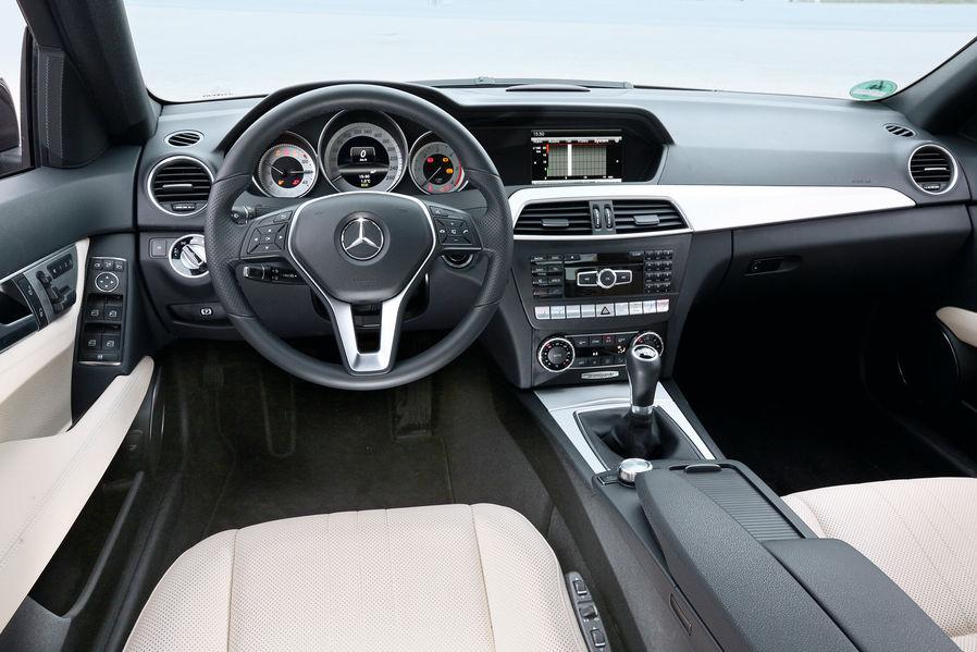 Bmw  Vs Mercedes C