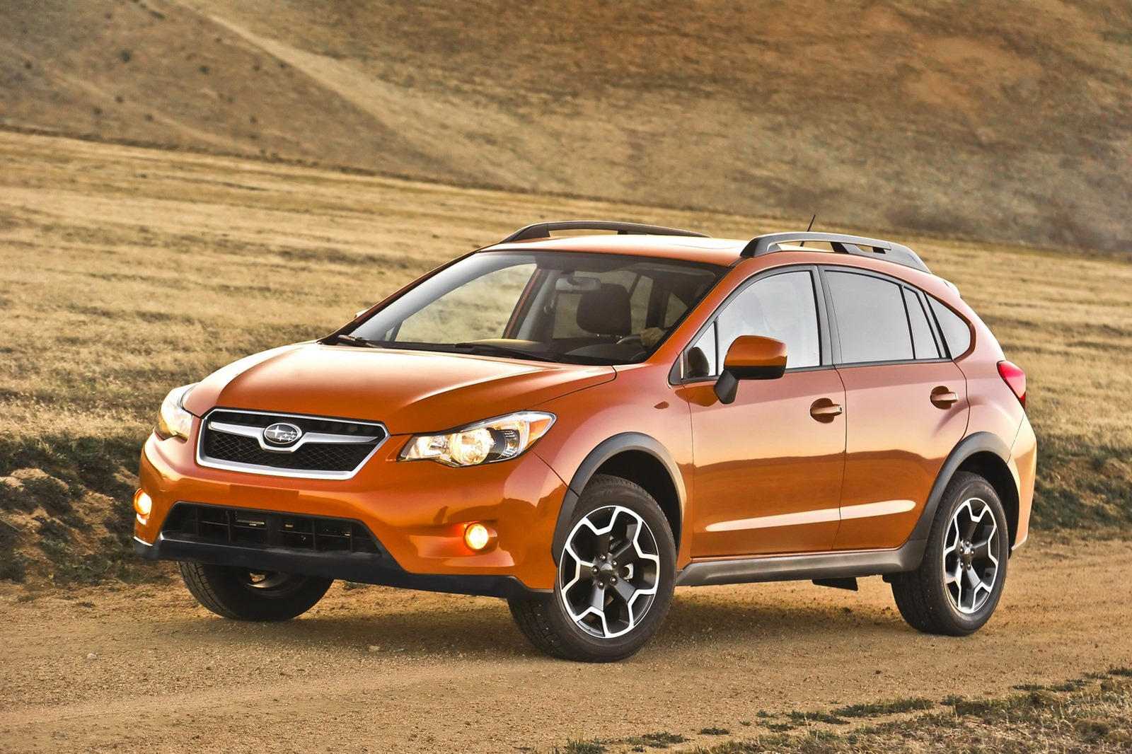 the 2013 subaru xv crosstrek debuts at new york auto show autoevolution. Black Bedroom Furniture Sets. Home Design Ideas