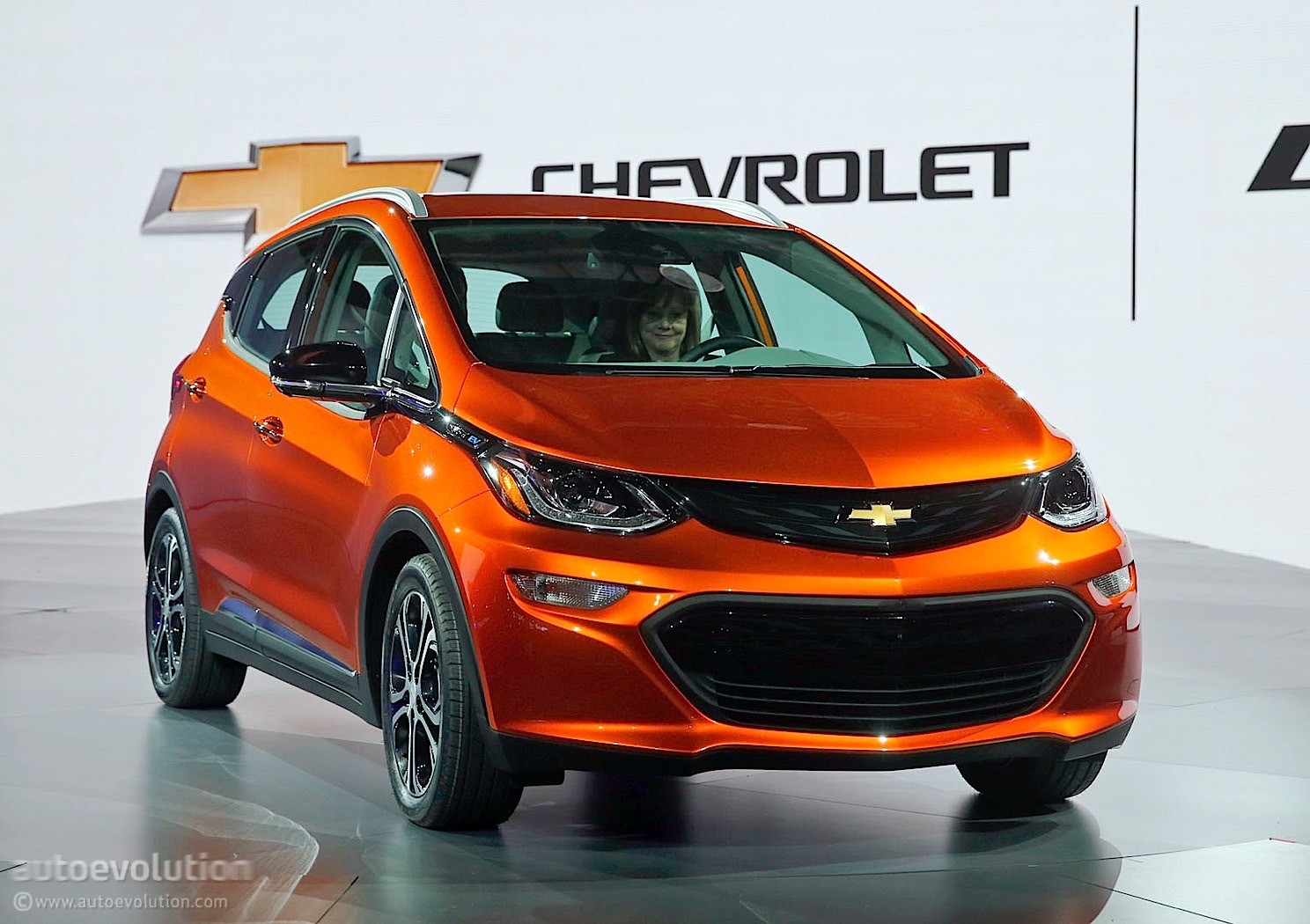 the 2017 chevrolet bolt has its technical insides talked. Black Bedroom Furniture Sets. Home Design Ideas