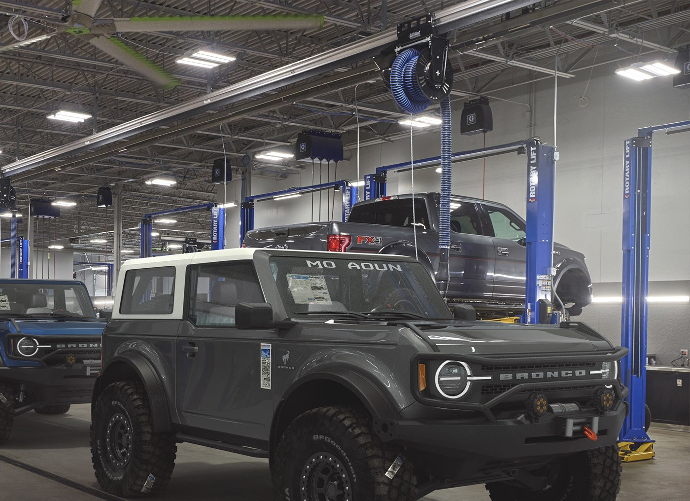 """the 2021 ford bronco is """"much superior"""" than jeep's"""