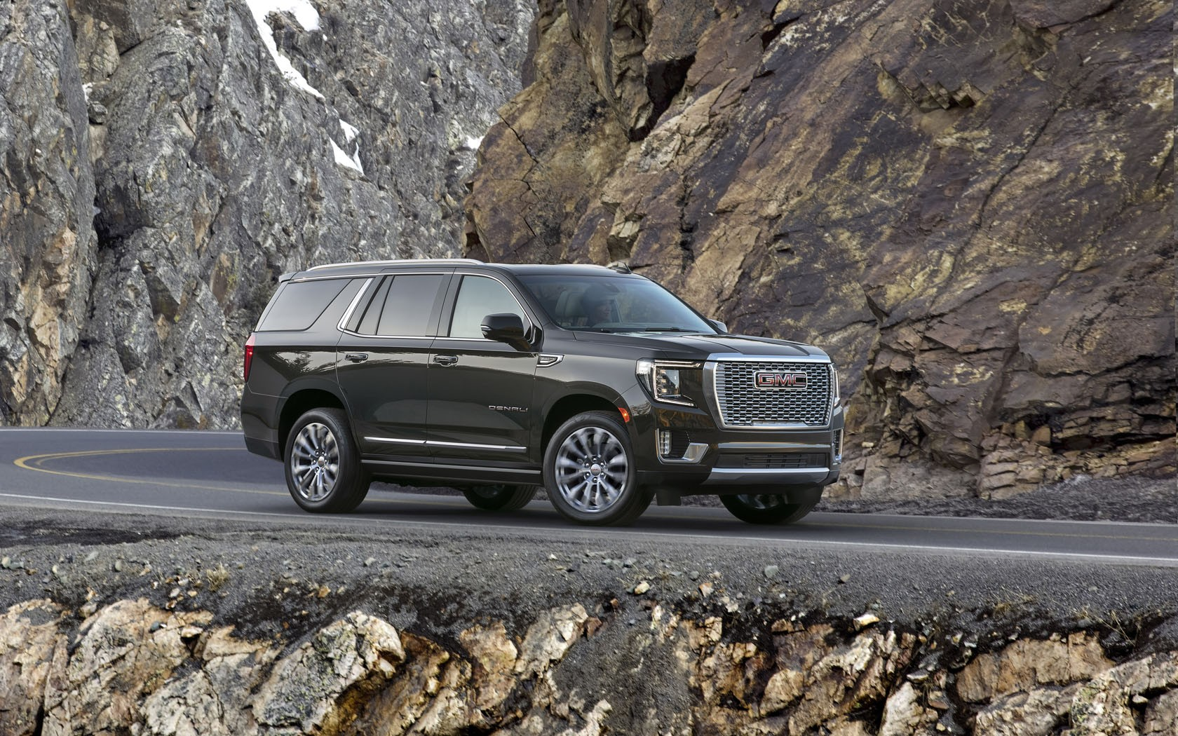 why the air ride adaptive suspension on the 2021 gmc yukon