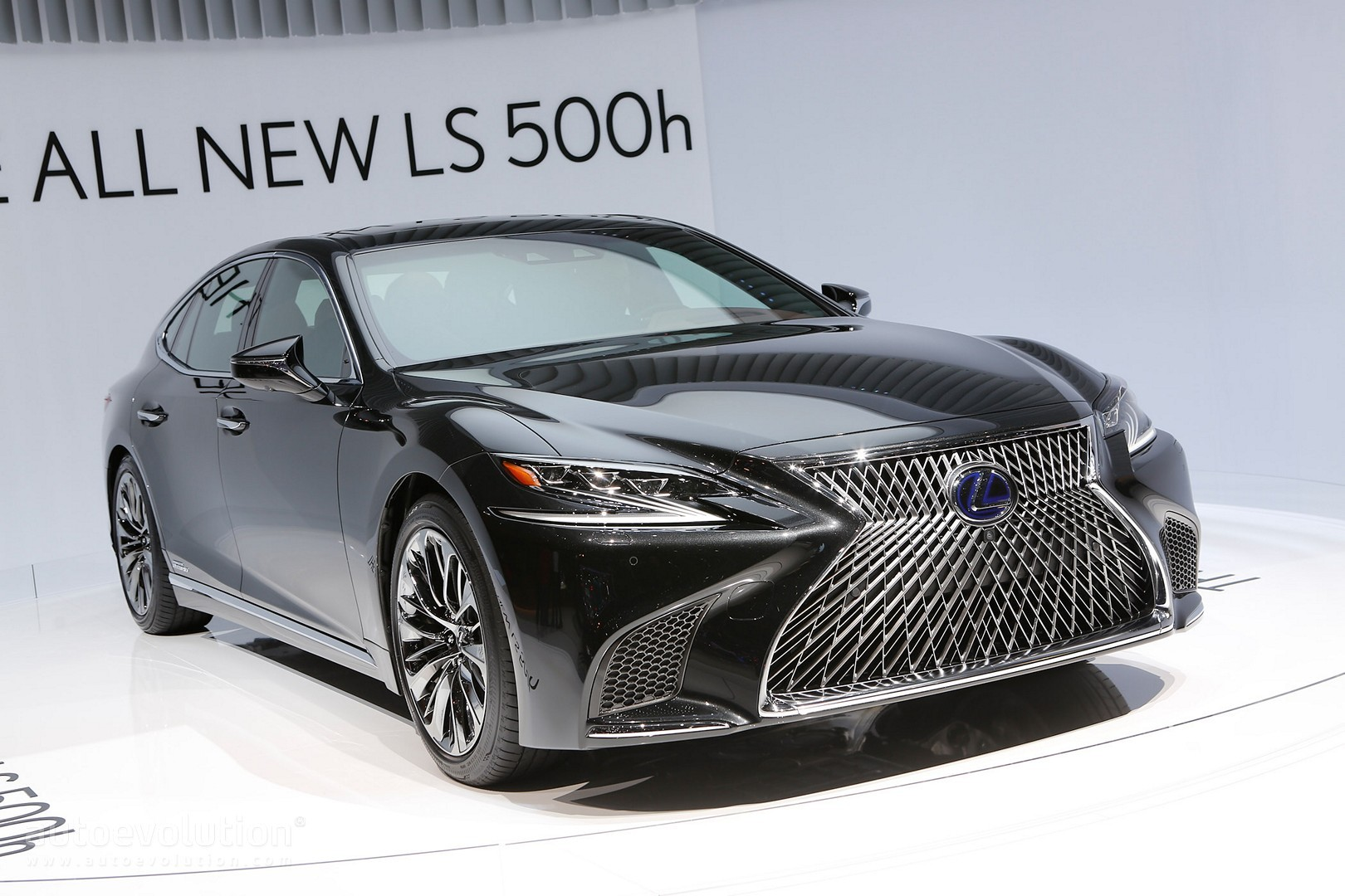 the all new 2018 lexus ls 500h gets revealed in geneva autoevolution. Black Bedroom Furniture Sets. Home Design Ideas