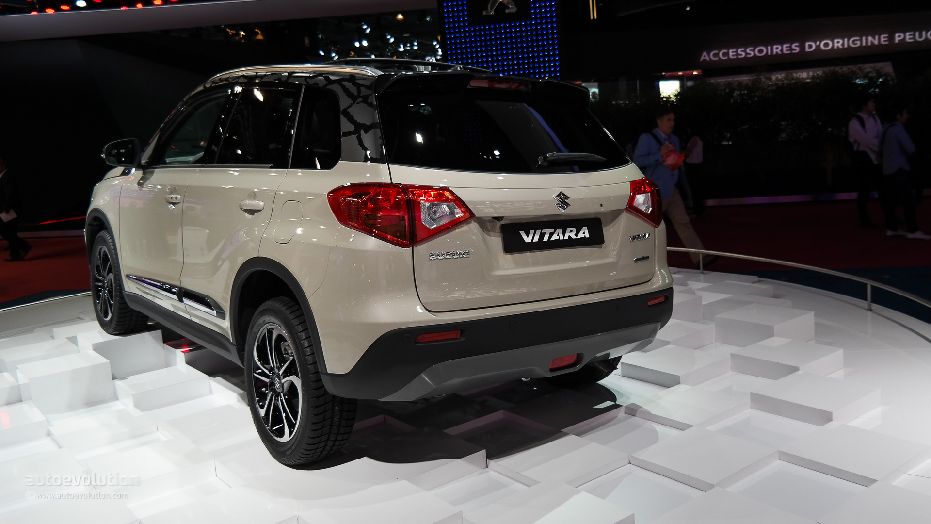 The All-New Suzuki Vitara Makes First Appearance at Paris 2014 [Live Photos] - autoevolution