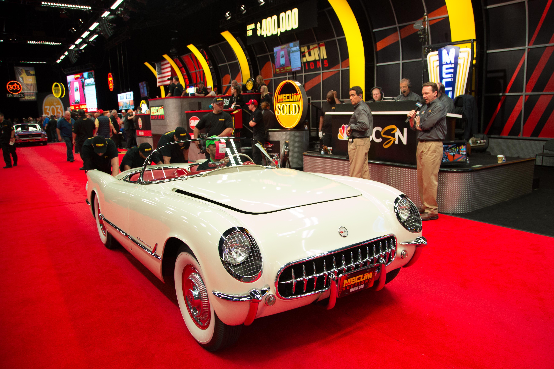 Shelby Daytona Coupe Fails to Set New World Record at Mecum ...