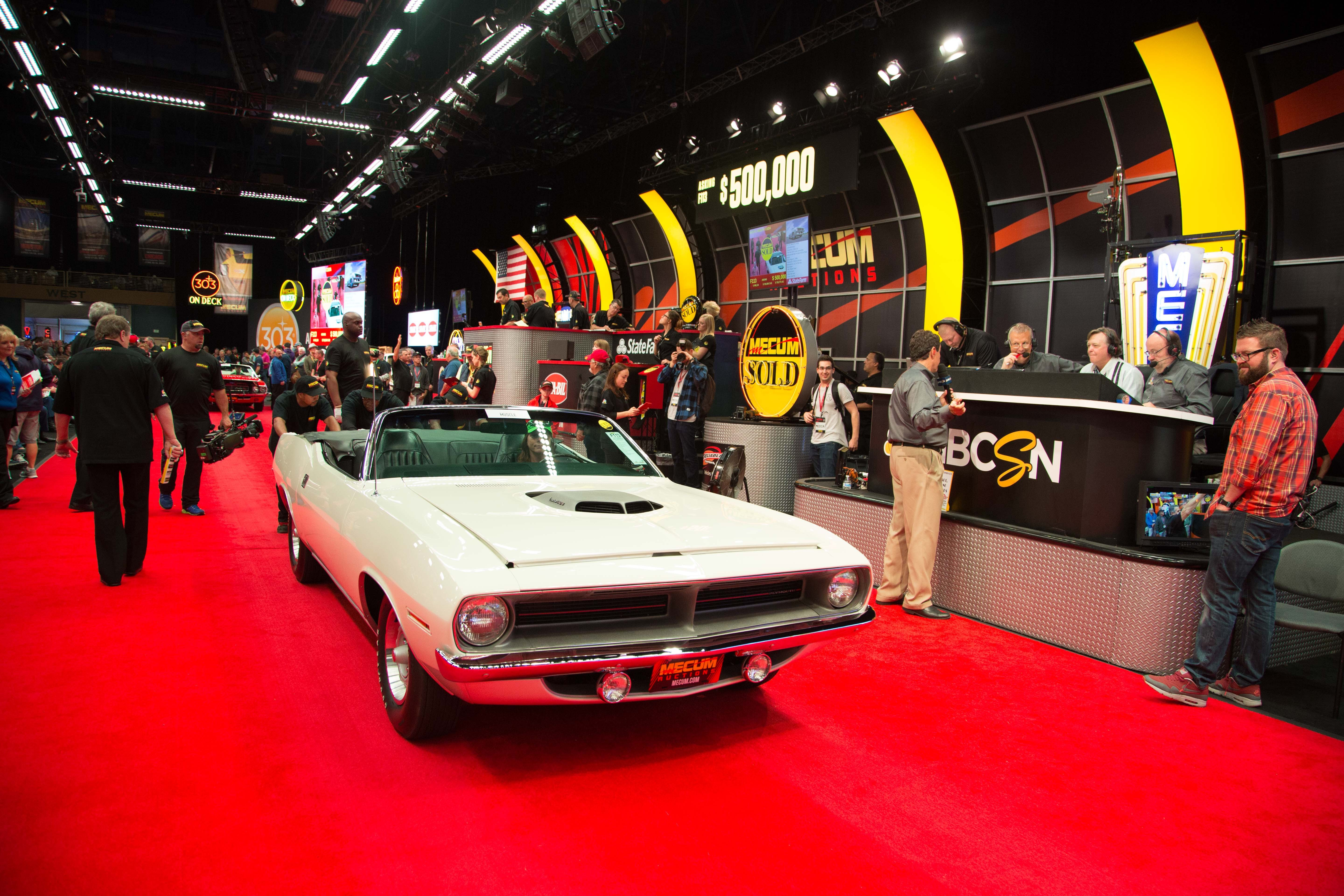 mecum auction sells over 1 000 vehicles autoevolution. Black Bedroom Furniture Sets. Home Design Ideas