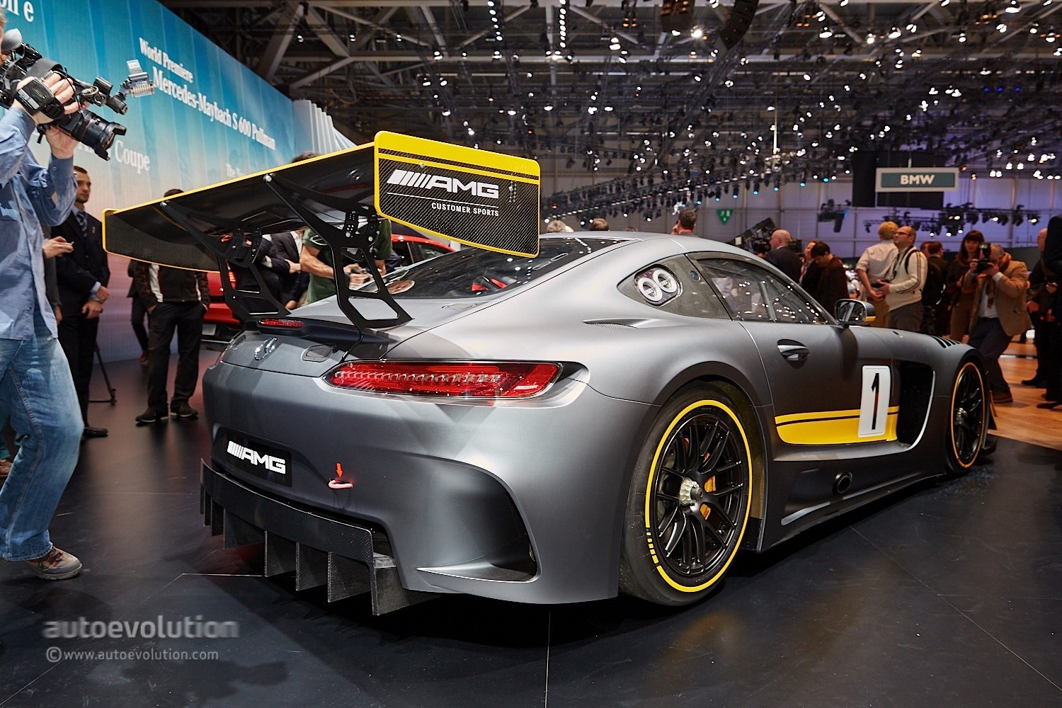 The Amg Gt3 Is Geneva S Mad Knight In Shining Carbon Fiber