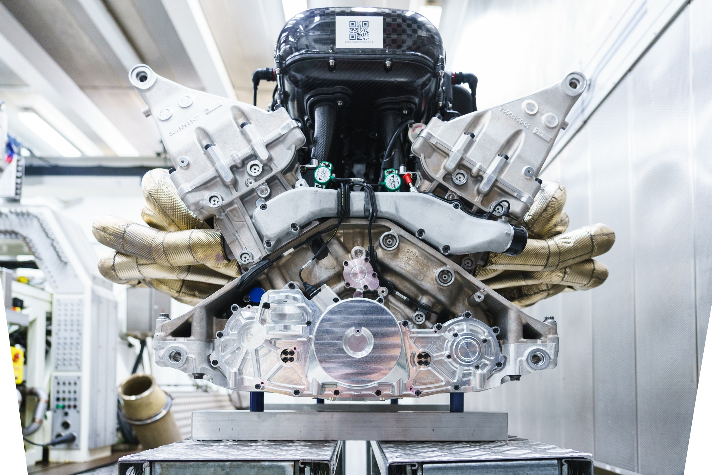 The Aston Martin Valkyrie's Cosworth V12 Is Internal ...