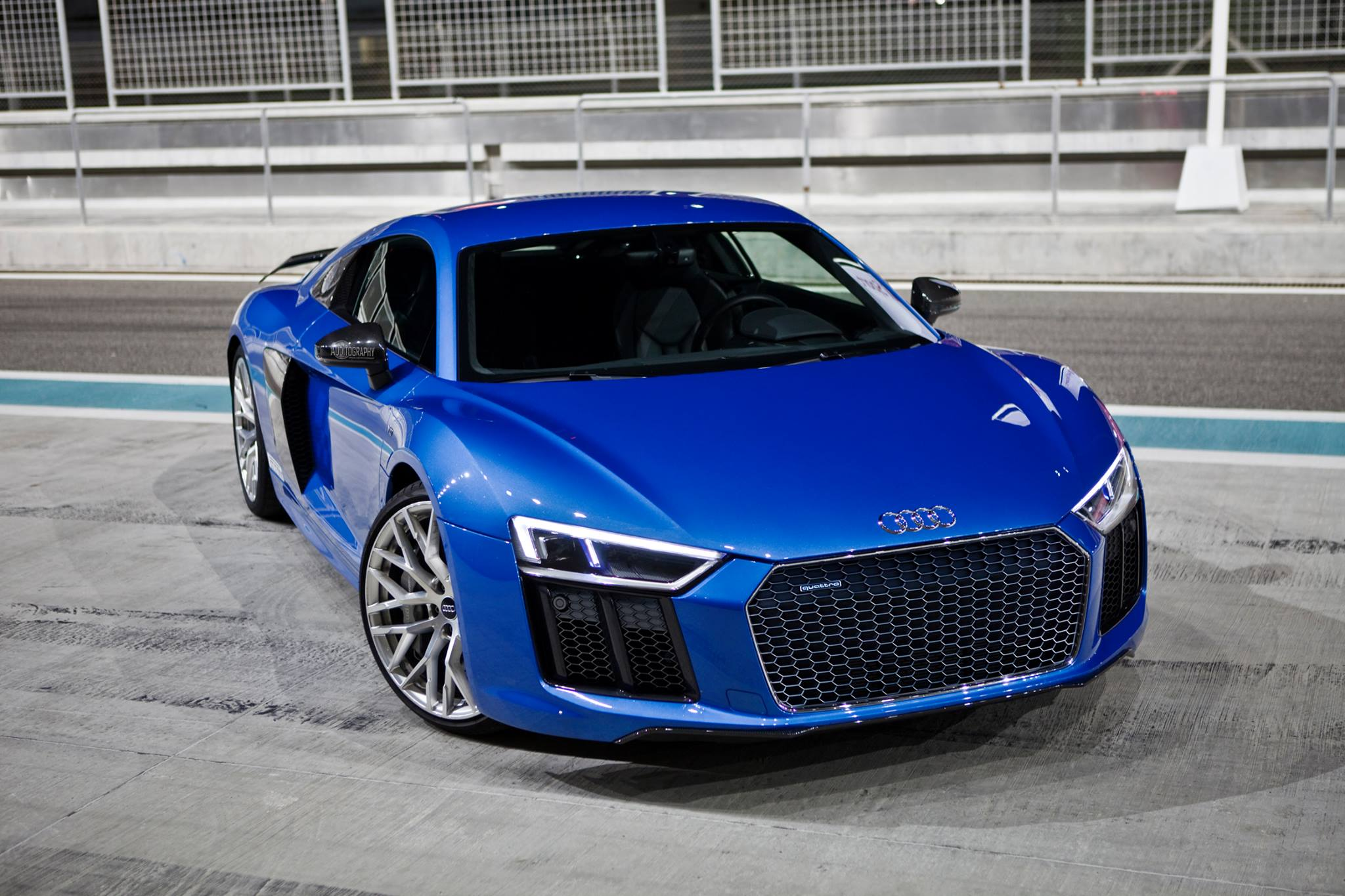 The Audi R8 V10 plus and RS6 performance Are Almost Kissing - autoevolution