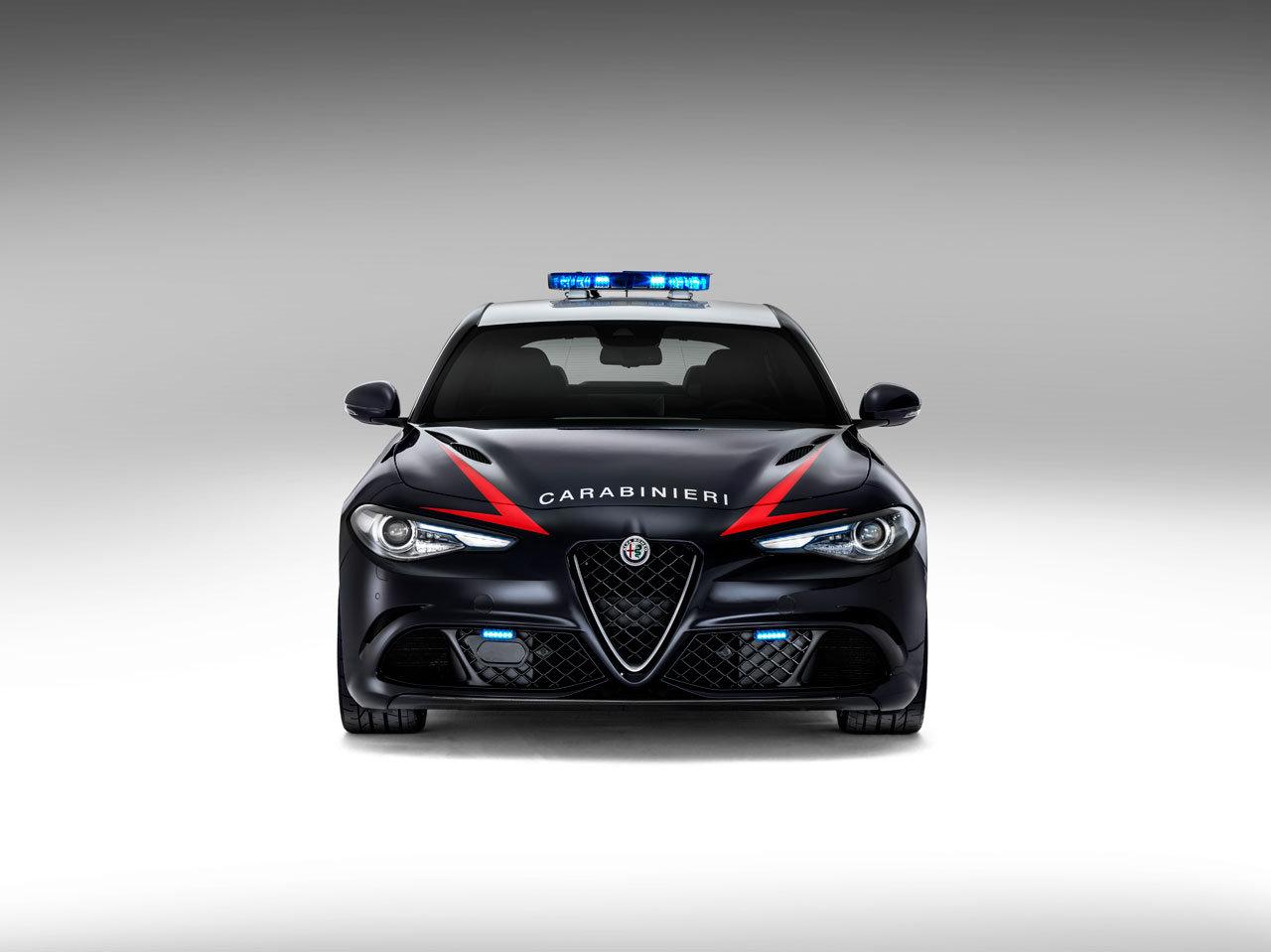 Alfa Romeo Giulia Dallas >> The Carabinieri Receive Two Alfa Romeo Giulia Quadrifoglio Sedans - autoevolution