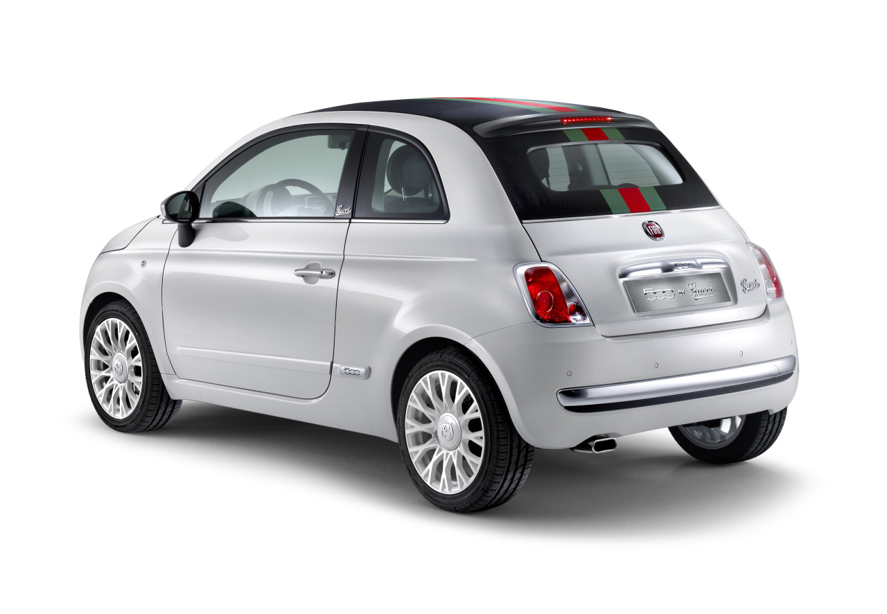 the convertible that matches your bag fiat launches 500c by gucci autoevolution. Black Bedroom Furniture Sets. Home Design Ideas