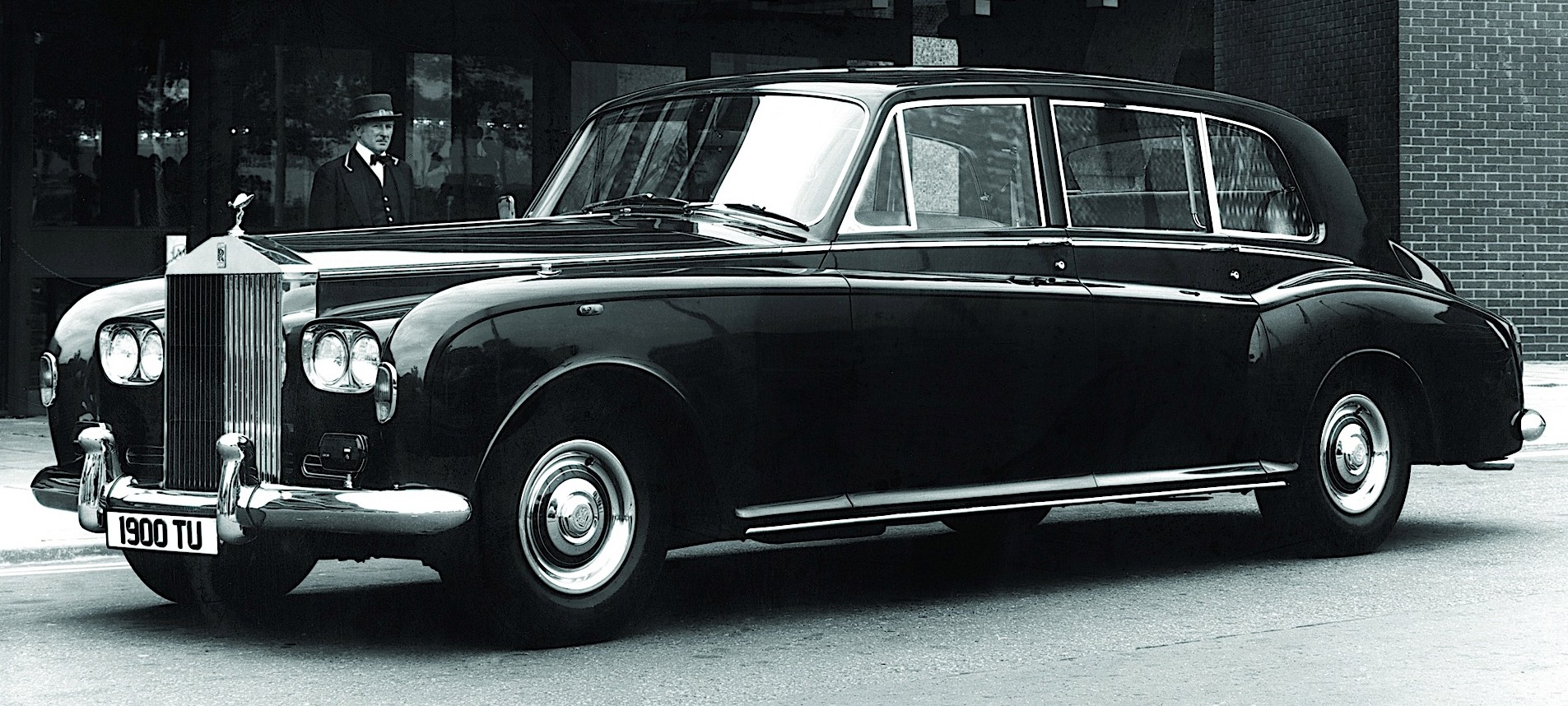 The Astonishing History of the Rolls-Royce Phantom - autoevolution