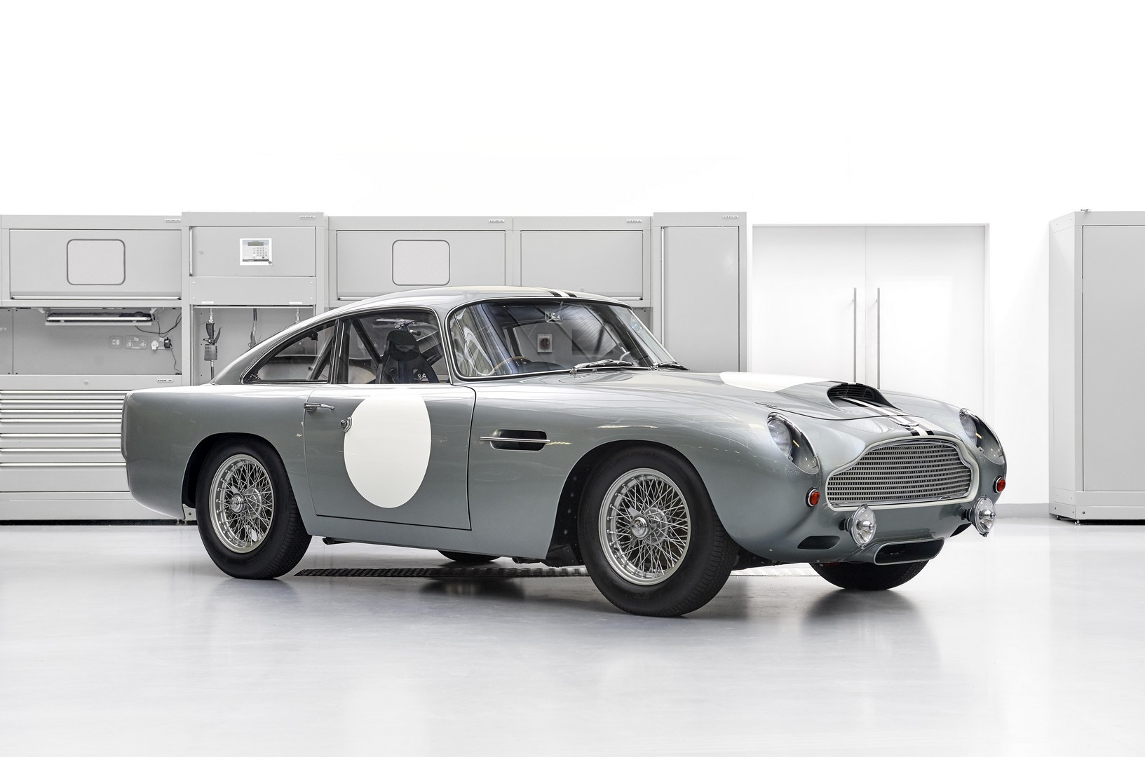 The First Aston Martin Db4 Gt Continuation Is Back Home And Up For Grabs Again Autoevolution