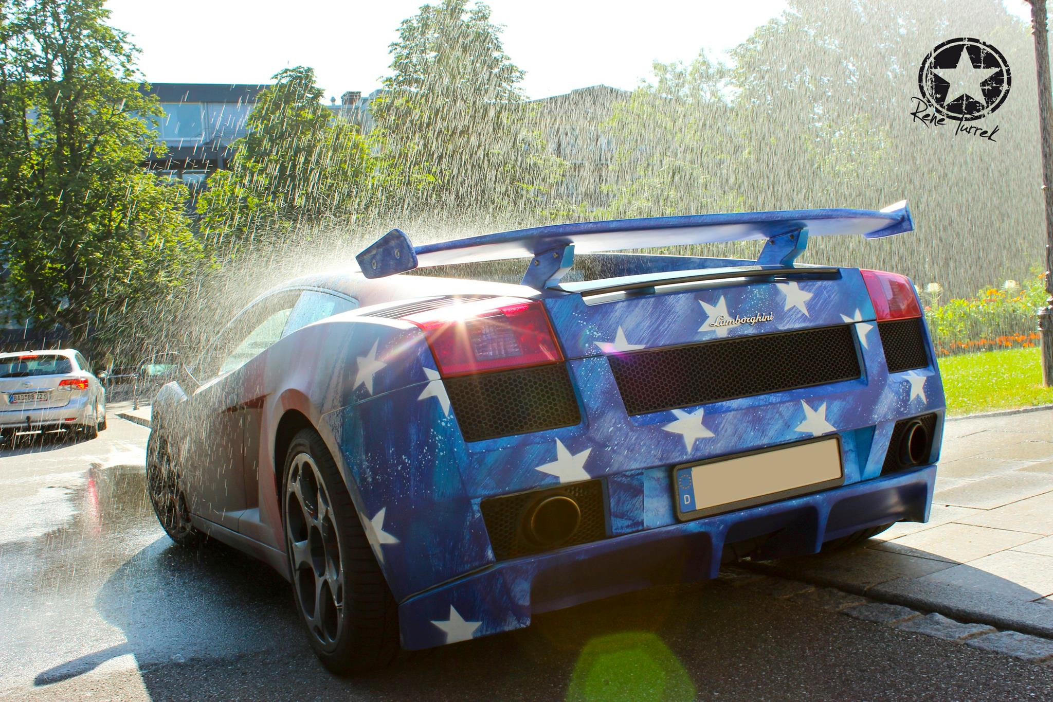 Quot The First Avenger Quot Lamborghini Changes Colors When Wet