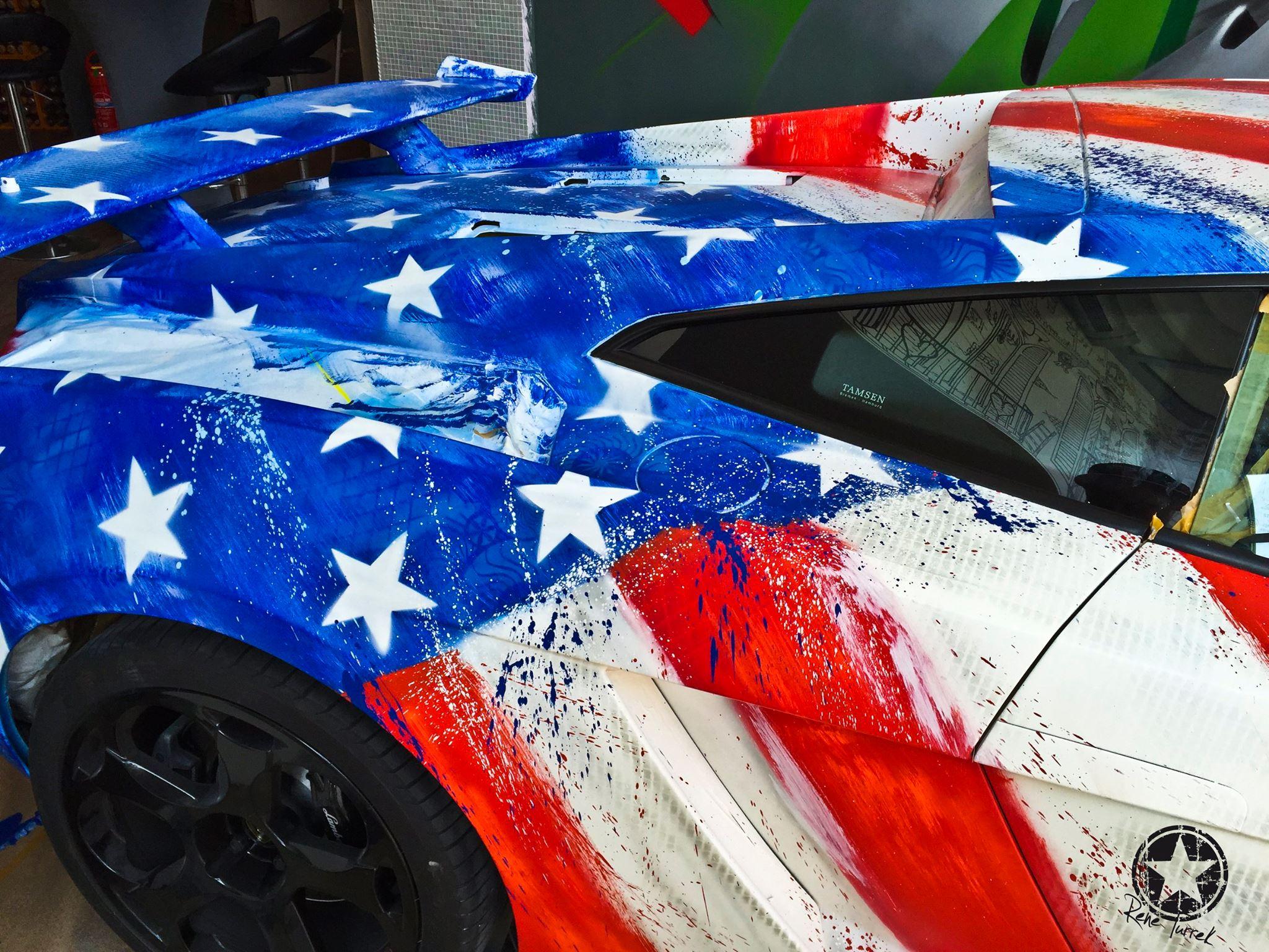 Quot The First Avenger Quot Lamborghini Changes Colors When Wet
