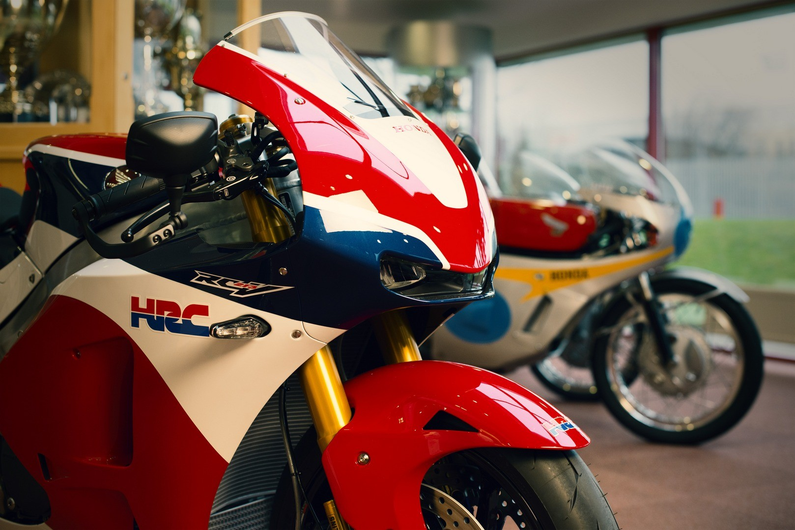 The First Honda RC213V-S Handed Over to Its New Owner - autoevolution