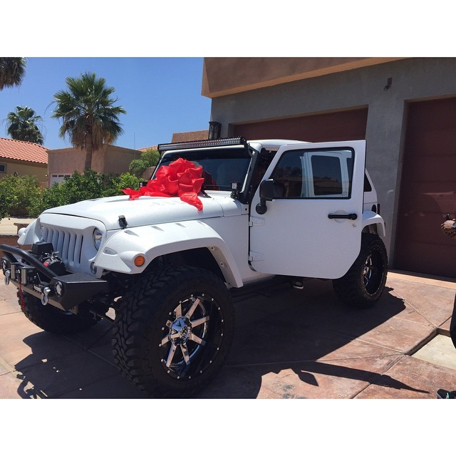 Buy Old Cars >> The Game Buys New Jeep Wrangler for His Personal Assistant - autoevolution