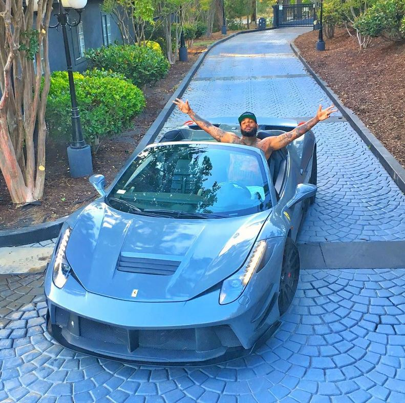 Tyga Gets the Gold Wrap Off His Aventador Roadster, Puts a ...