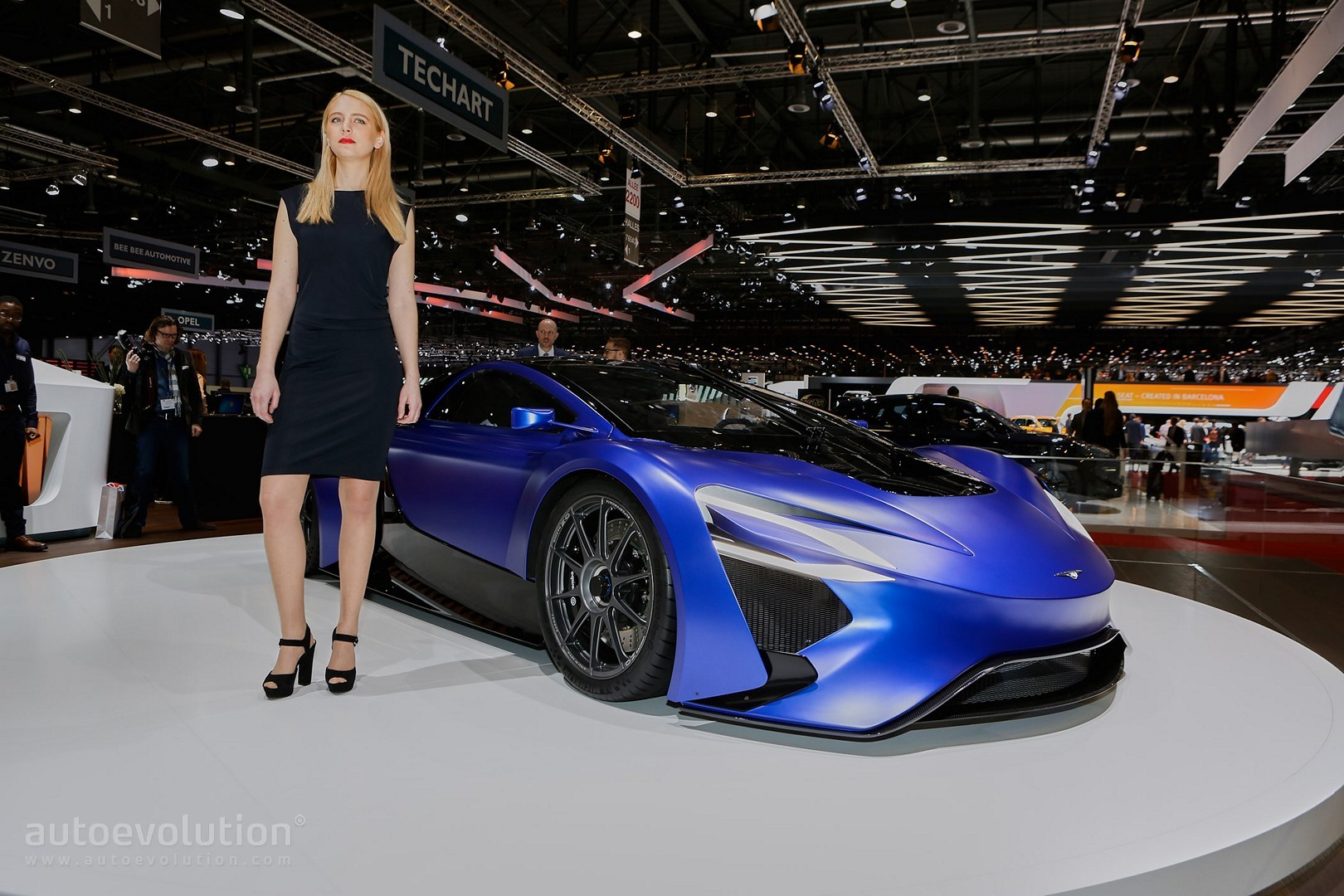 The girls of the 2016 geneva motor show autoevolution - Geneva motor show ...