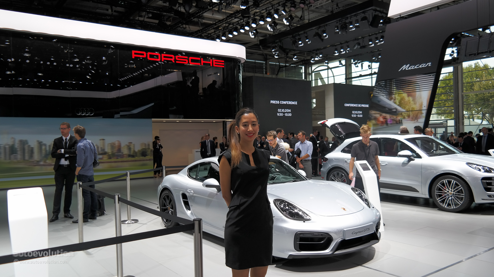 the girls of the paris motor show 2014  live photos