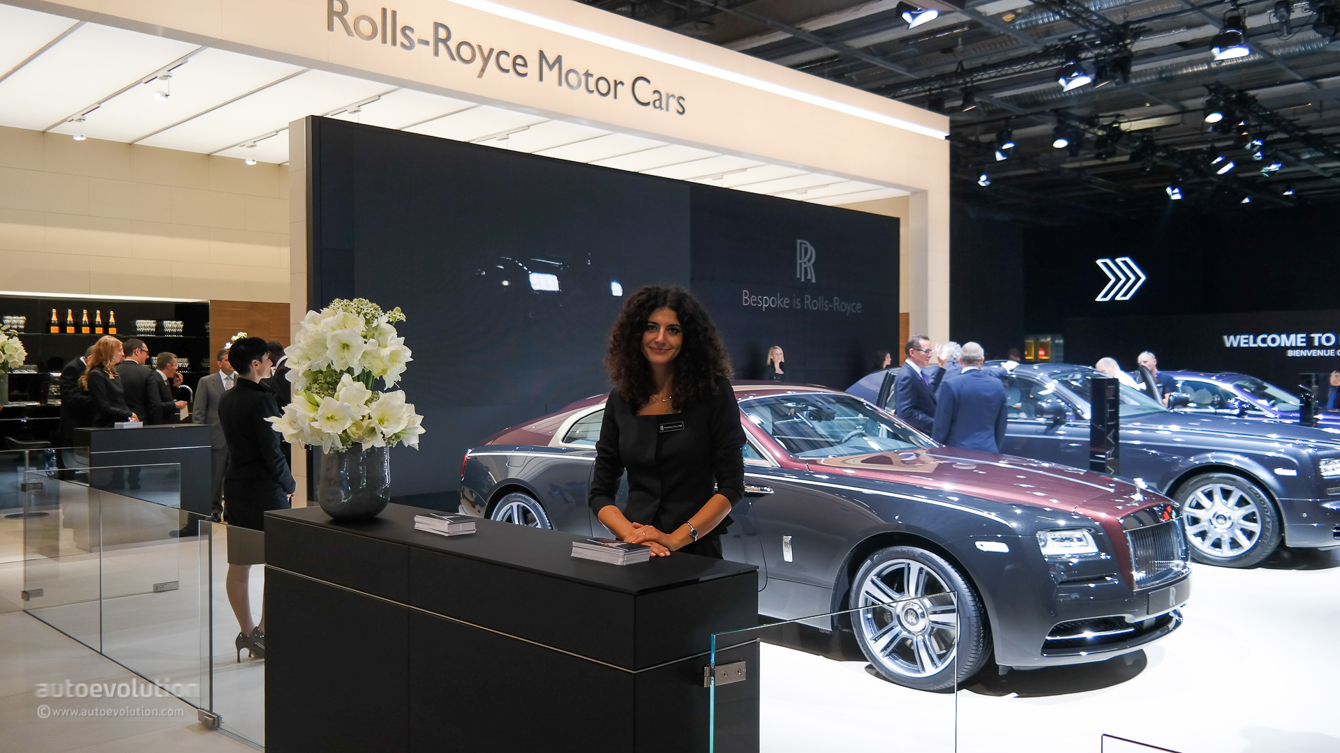 the girls of the paris motor show 2014  live photos