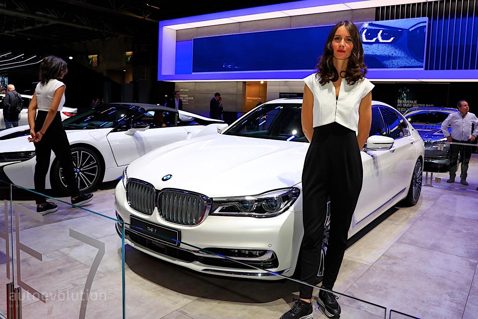 The Girls of The 2018 Paris Motor Show - autoevolution