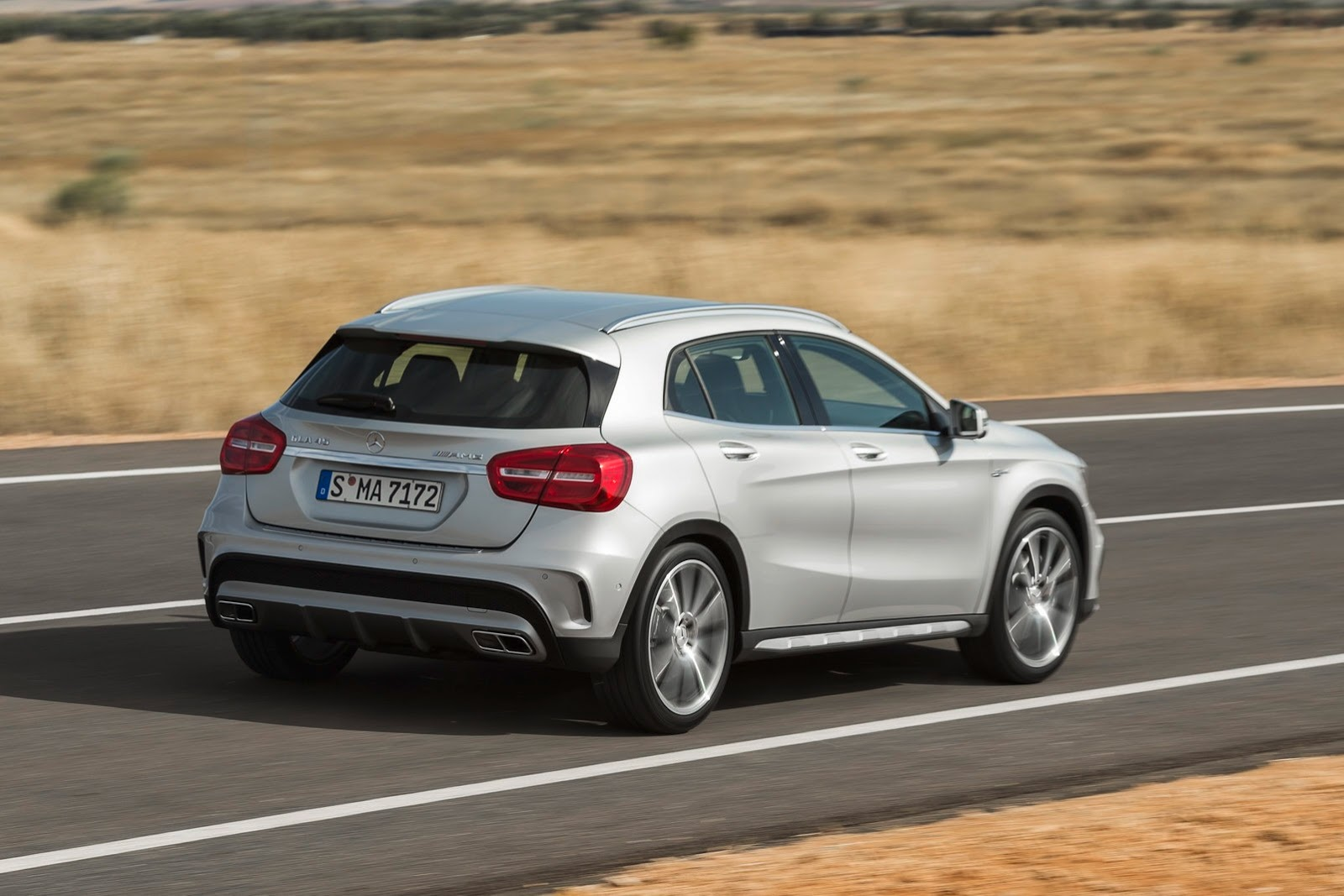 The gla 45 amg is the fastest crossover around video for Mercedes benz cross over