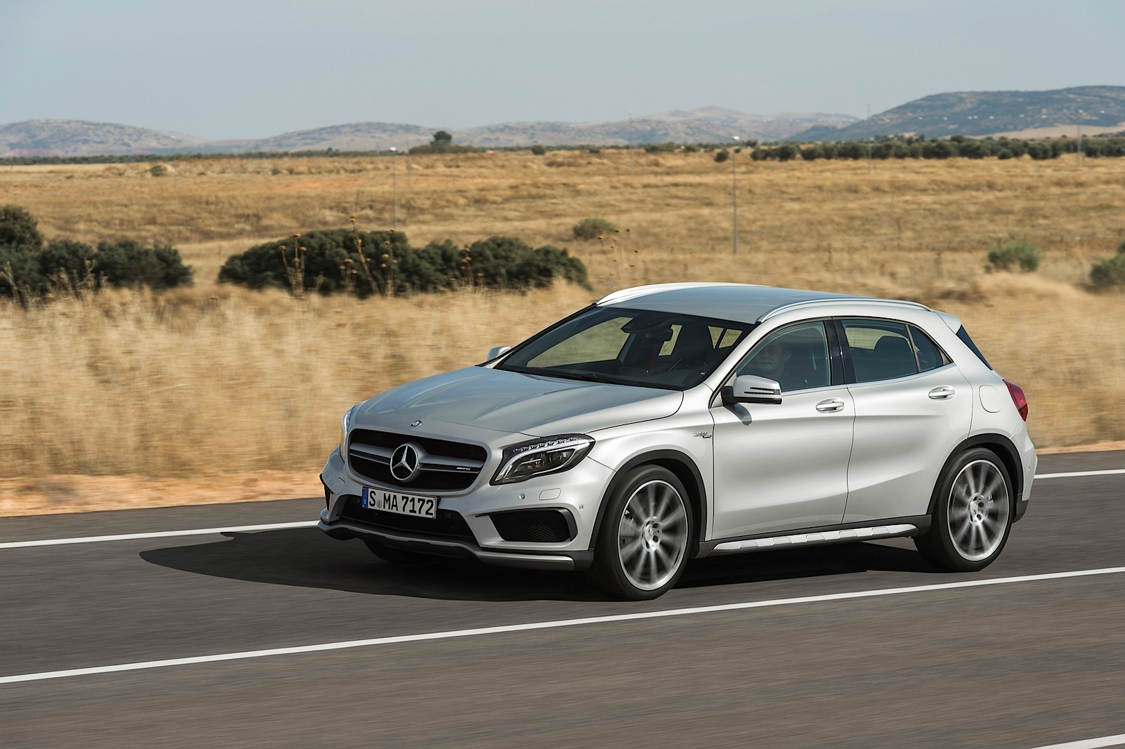 The gla 45 amg receives its first commercial autoevolution