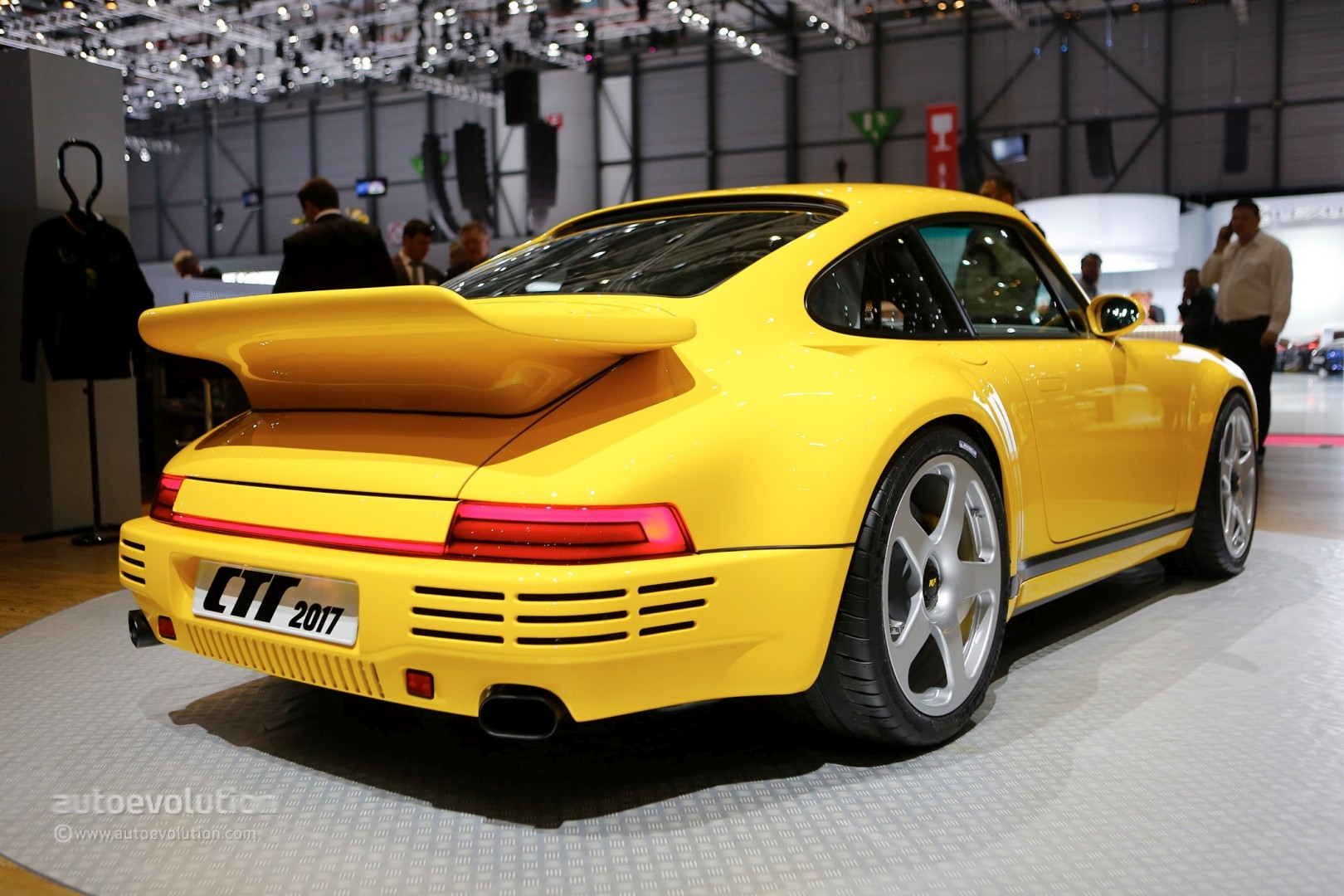 the interior of the 2017 ruf ctr is the alcantara temple of a 710 hp god autoevolution. Black Bedroom Furniture Sets. Home Design Ideas