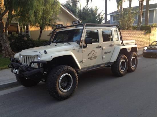 Jeep Wrangler 6x6 Pickup Truck has a Hemi V8 and... Guns ...