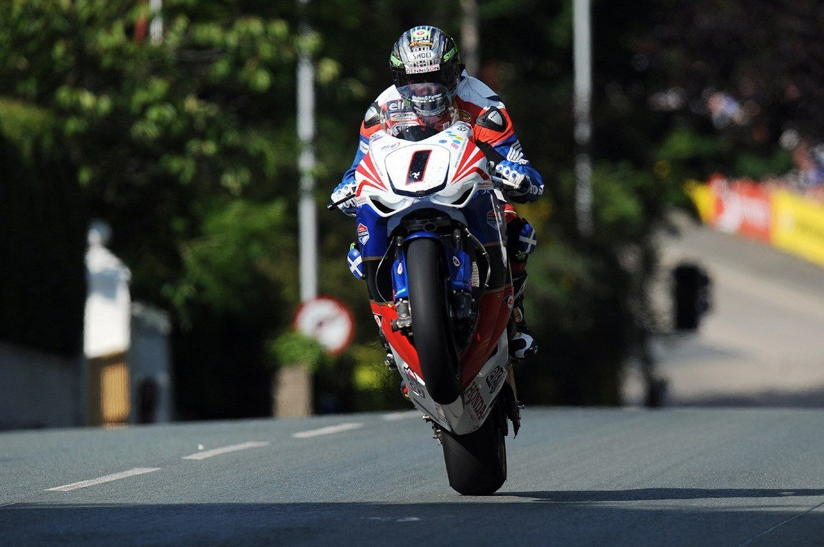 John Mcguinness Fields His Own Team In The Superstock Tt 2016 Autoevolution