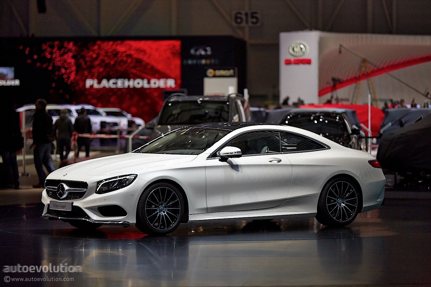 the mercedes benz s class coupe c217 reaches geneva autoevolution. Black Bedroom Furniture Sets. Home Design Ideas