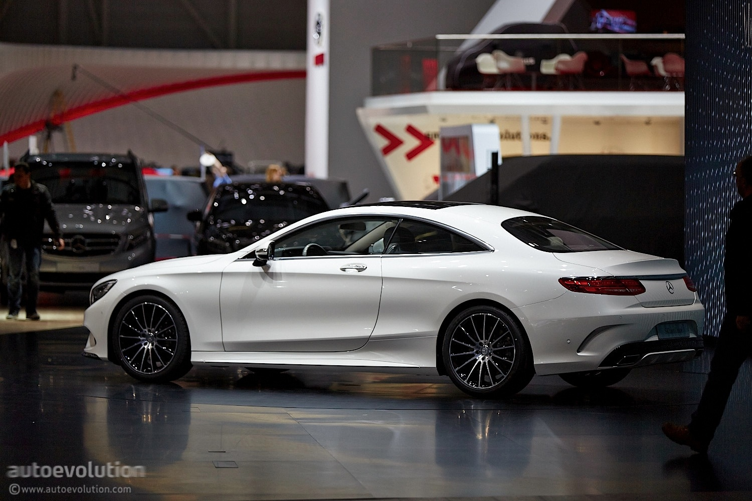 the mercedes benz s class coupe c217 reaches geneva. Black Bedroom Furniture Sets. Home Design Ideas