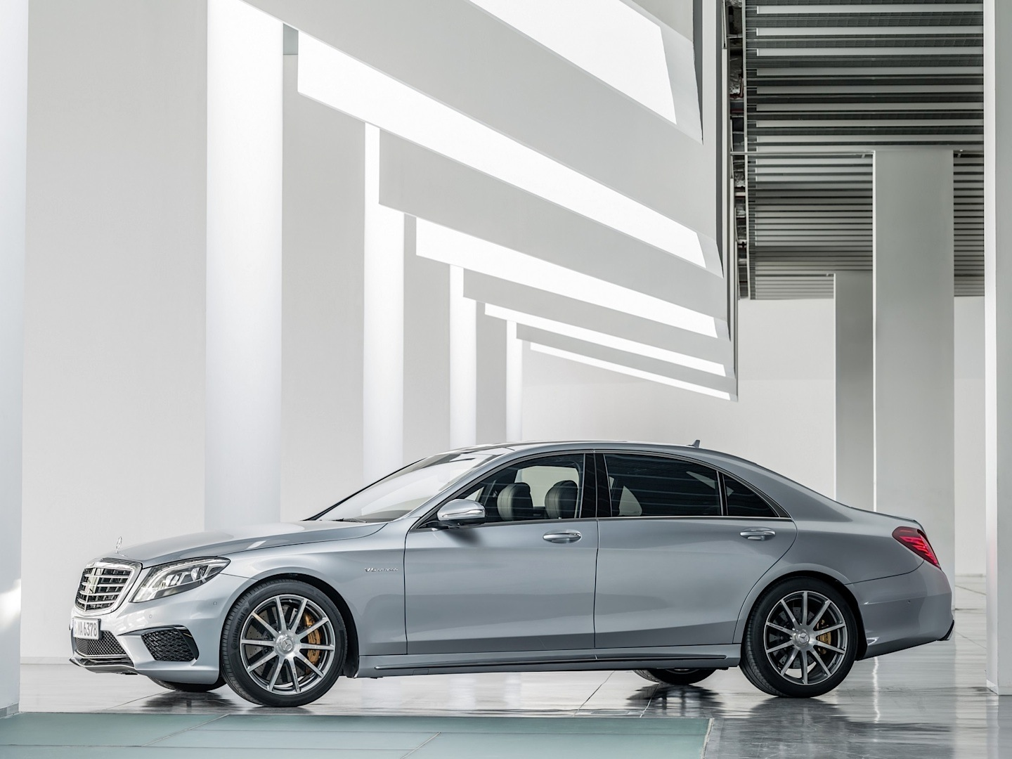The mercedes benz s63 amg gets its pricing sorted out for for Mercedes benz amg s63 price