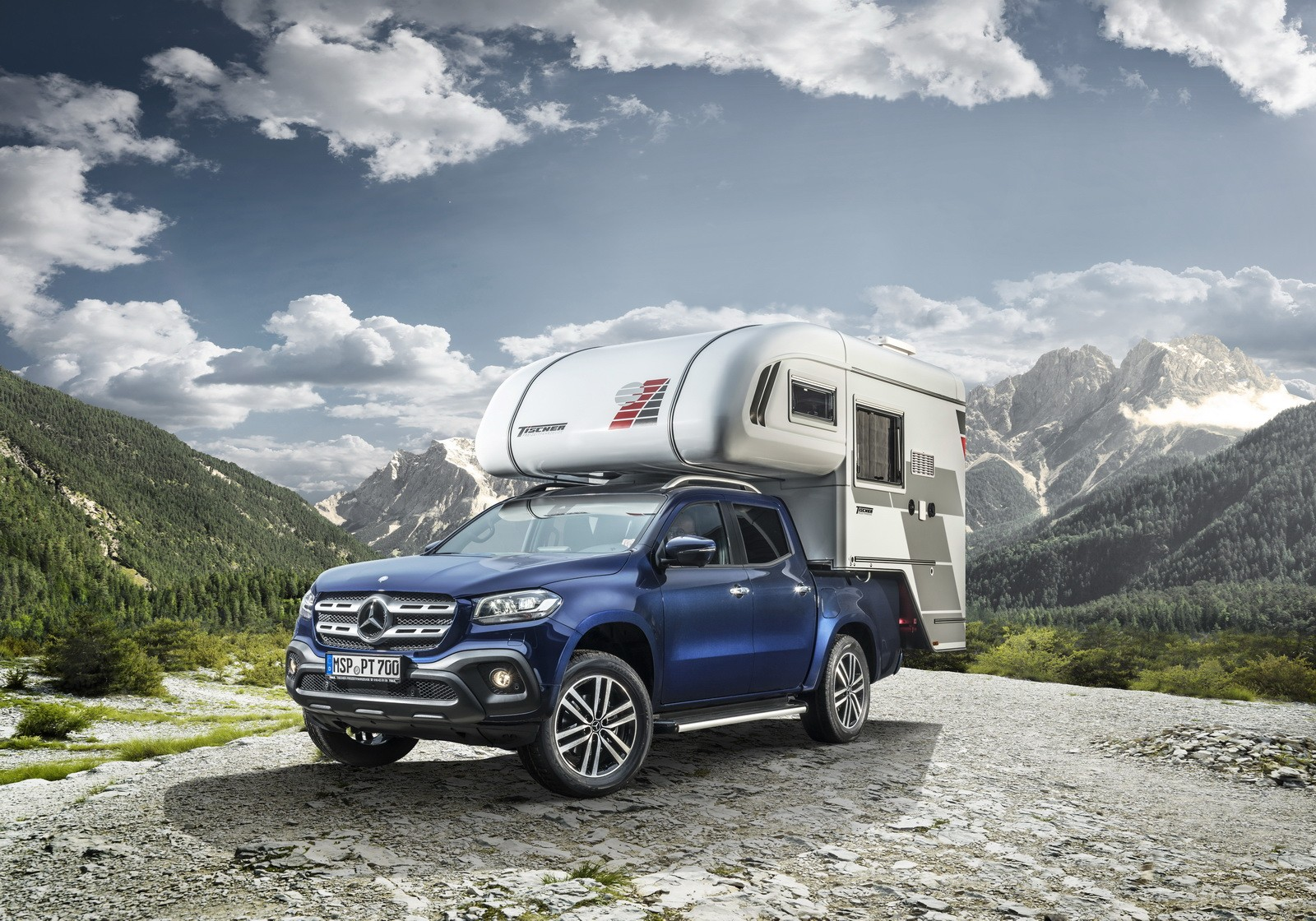 mercedes benz turns the x class pickup into a camper van and a mobile kitchen autoevolution. Black Bedroom Furniture Sets. Home Design Ideas