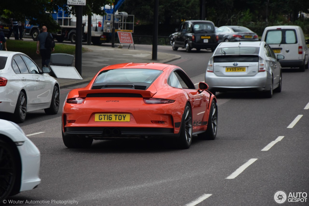 The Moment When A Wingless Porsche 911 Gt3 Rs Pdk Makes A