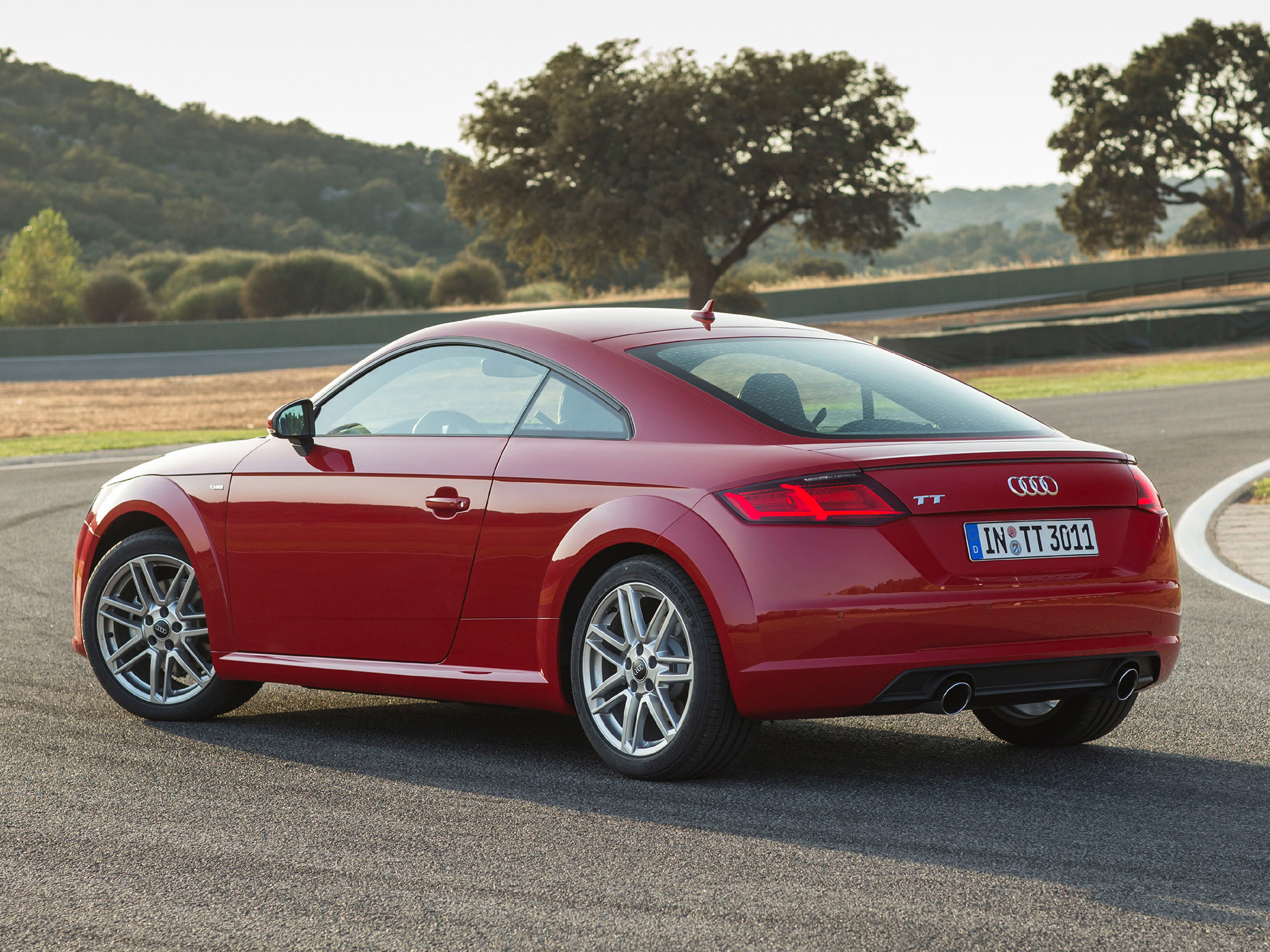 the-new-audi-tt-tts-coupes-star-in-sexy-new-press-photos_10.jpg
