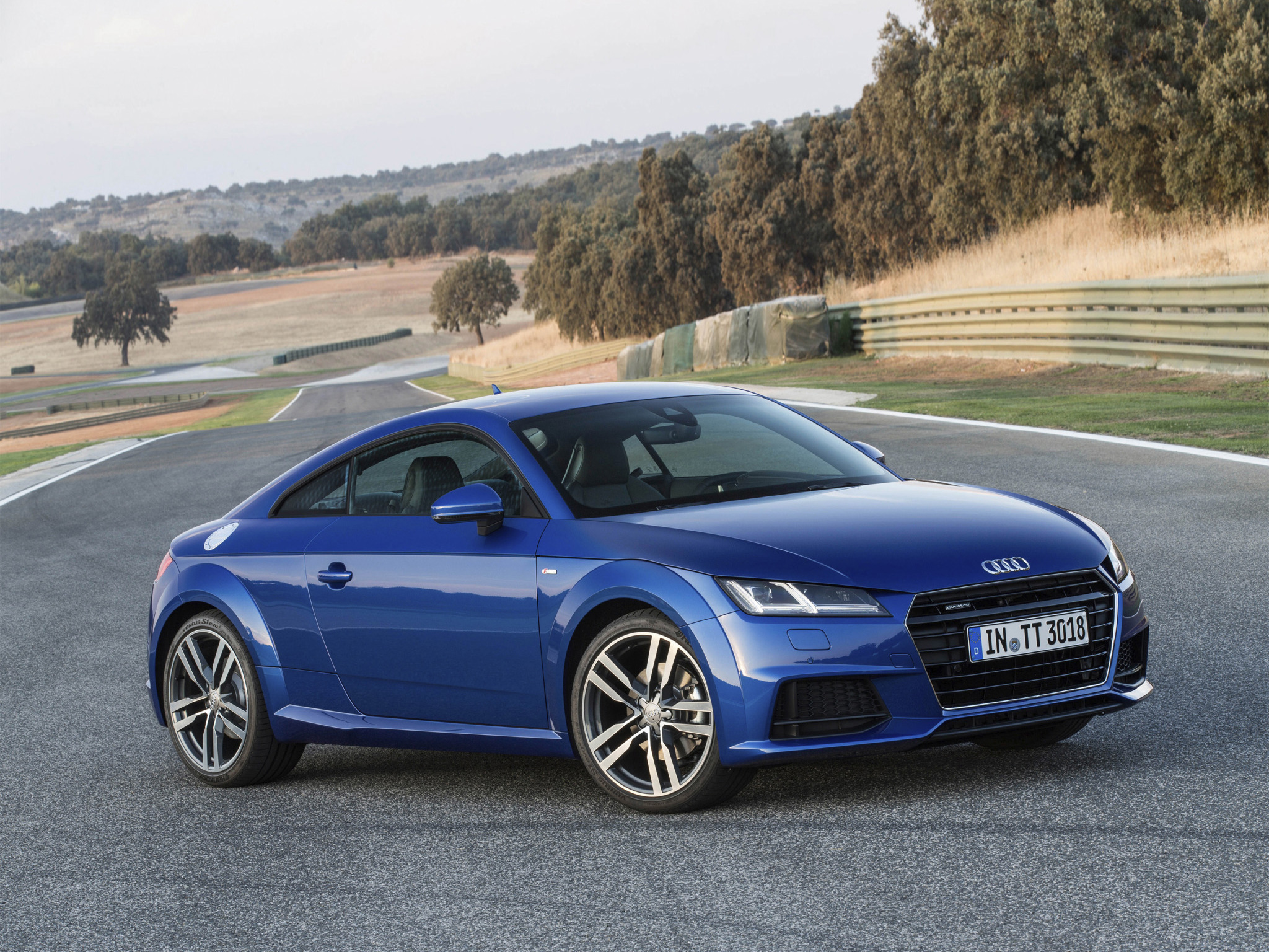 New Audi Tt Amp Tts Coupe Photos Show Vegas Yellow And Tango