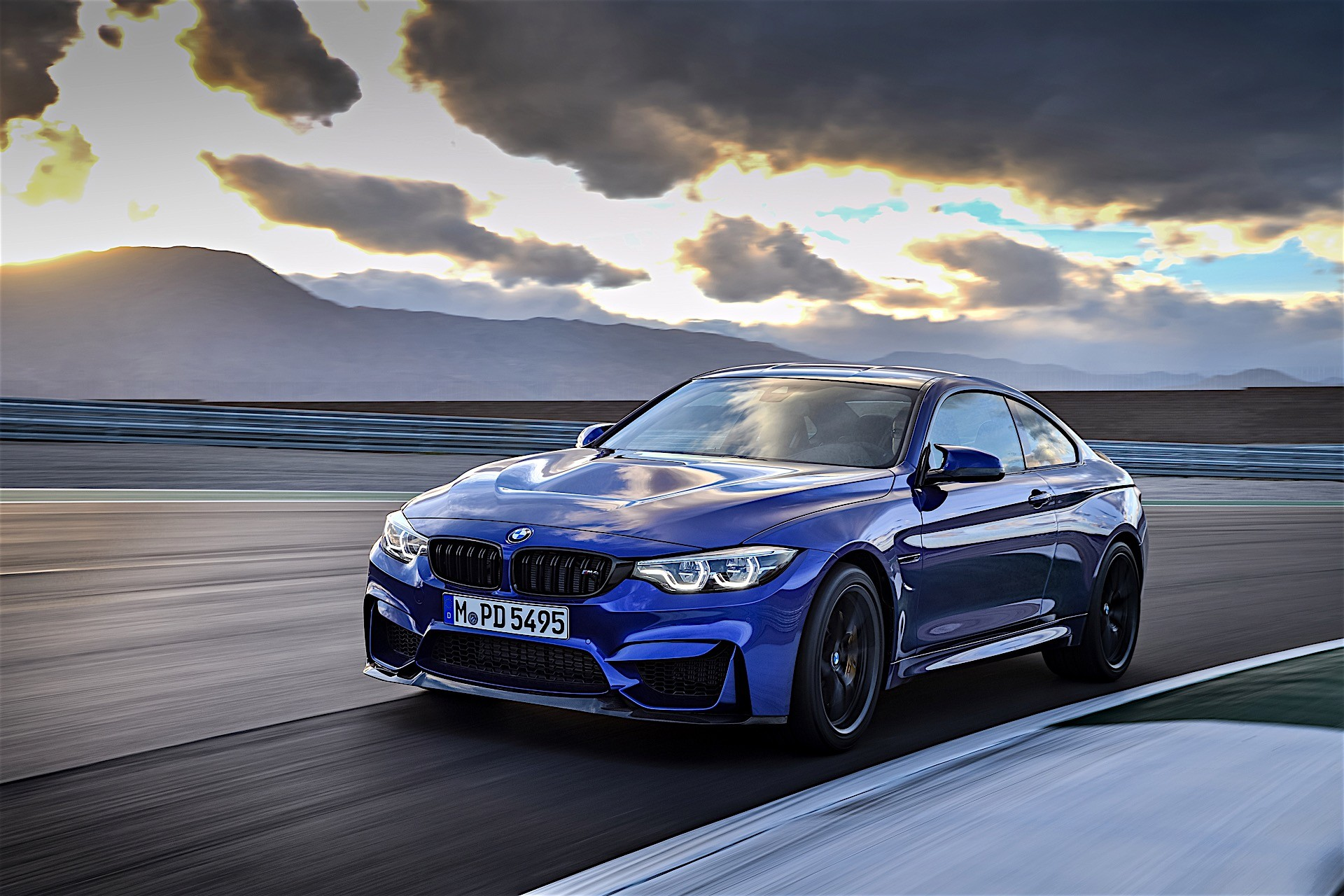 bmw m4 cs revealed with 460 hp and a nurburgring time of 7. Black Bedroom Furniture Sets. Home Design Ideas