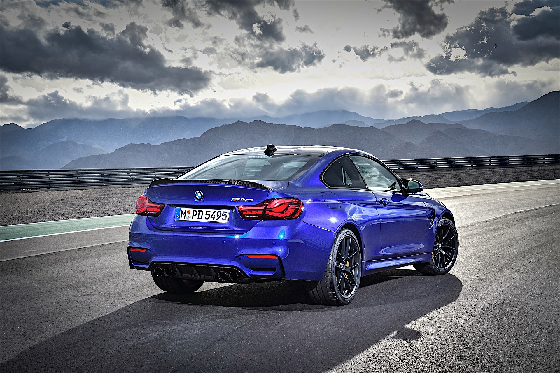 Bmw M4 Cs Revealed With 460 Hp And A Nurburgring Time Of 7 38 Autoevolution