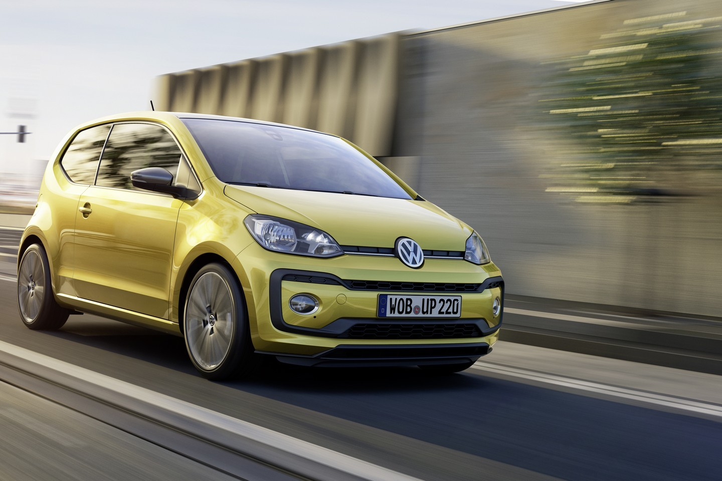the new volkswagen up goes on sale german configurator is online autoevolution. Black Bedroom Furniture Sets. Home Design Ideas